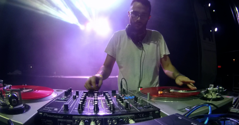 DJ FREAZER
